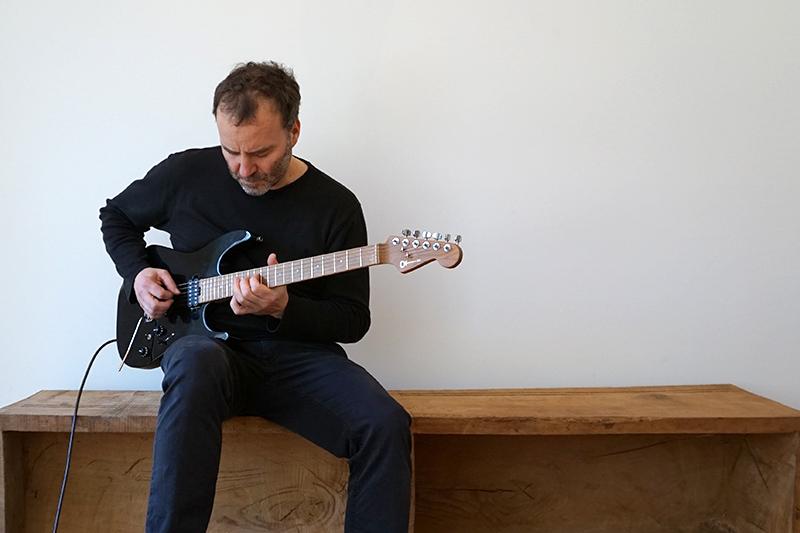 guitarre_800x533_elektro-2